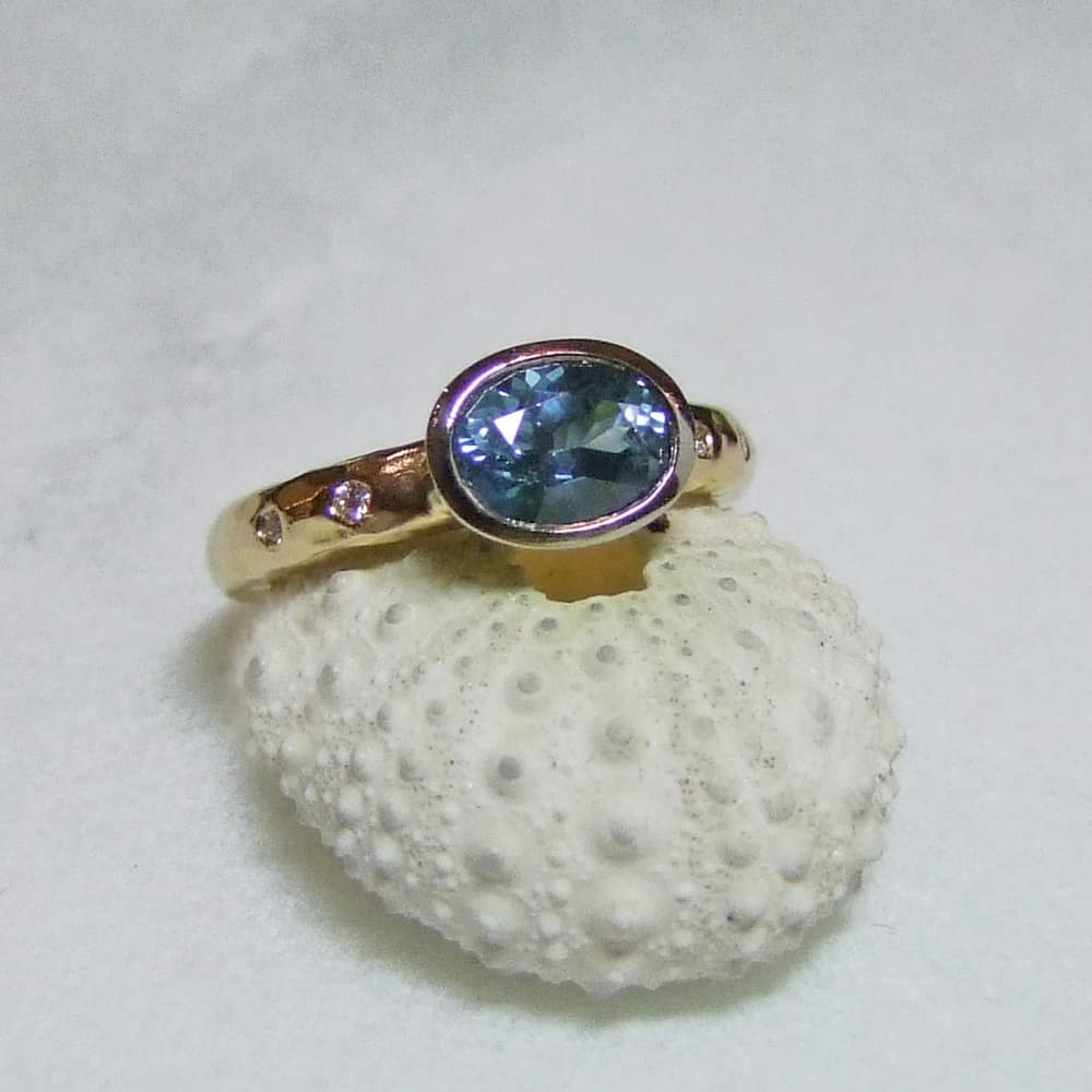 Sea Blue Sapphire And Diamond Ring Rose With White Gold Setting
