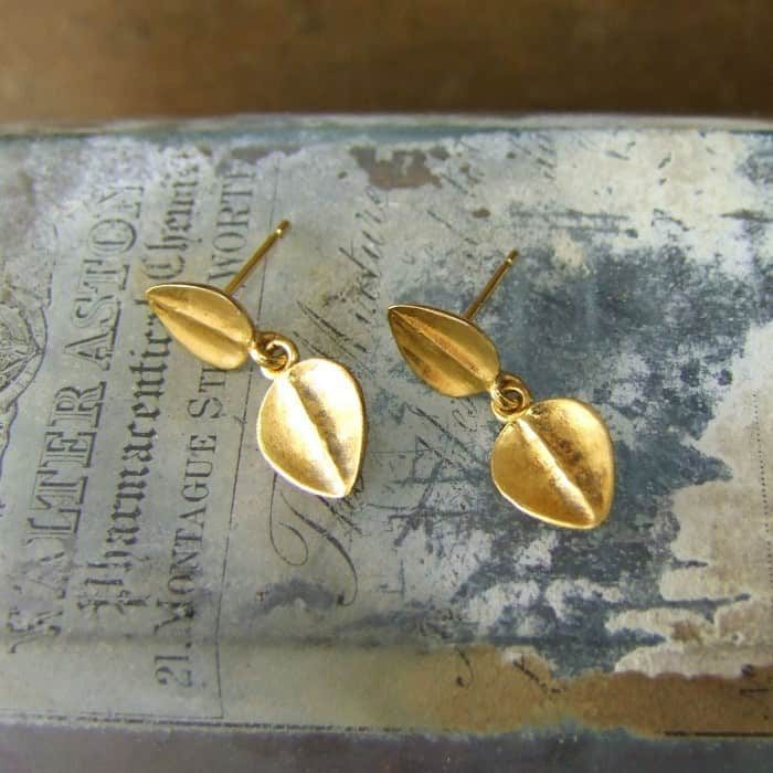 Sarissa Leaf Drop Studs