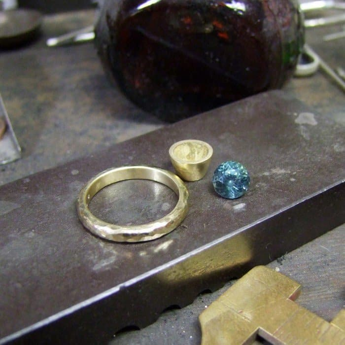 Handmade Green Sapphire Gold Ring – Workshop