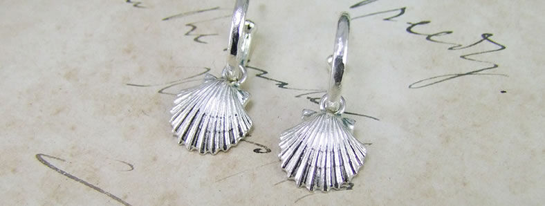 Beachcomber Scallop Shell Earrings