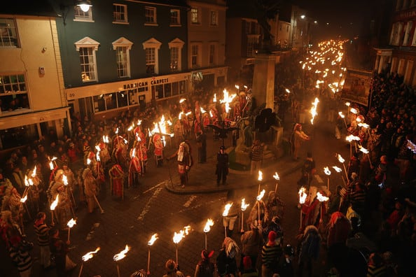 Annual+Lewes+Bonfire+Night+Parade+du1rx4tVeiRl