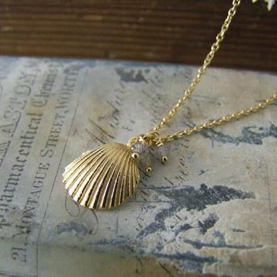 Alexis Dove, Sea shell jewellery, clamshell pendant